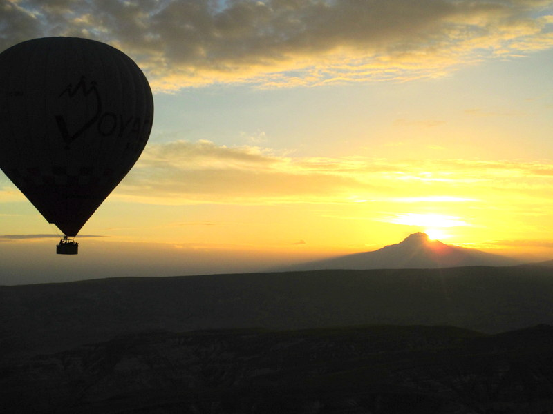 turkey cappadocia hot air balloon