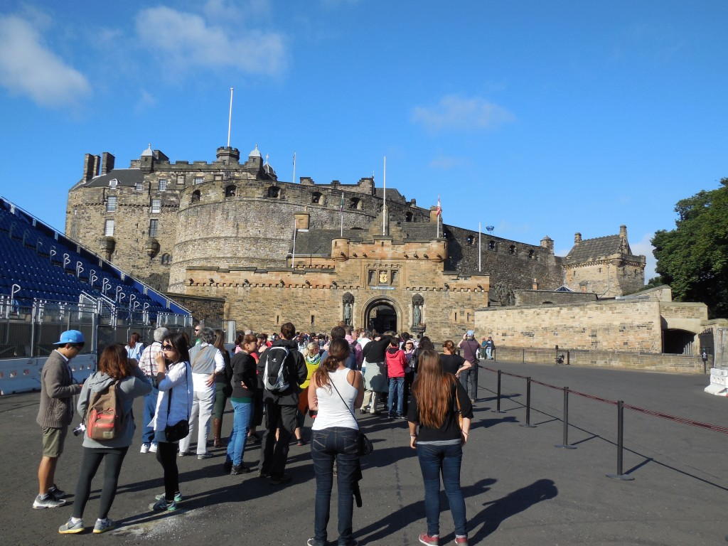 Front gate of Edinburgh Castle