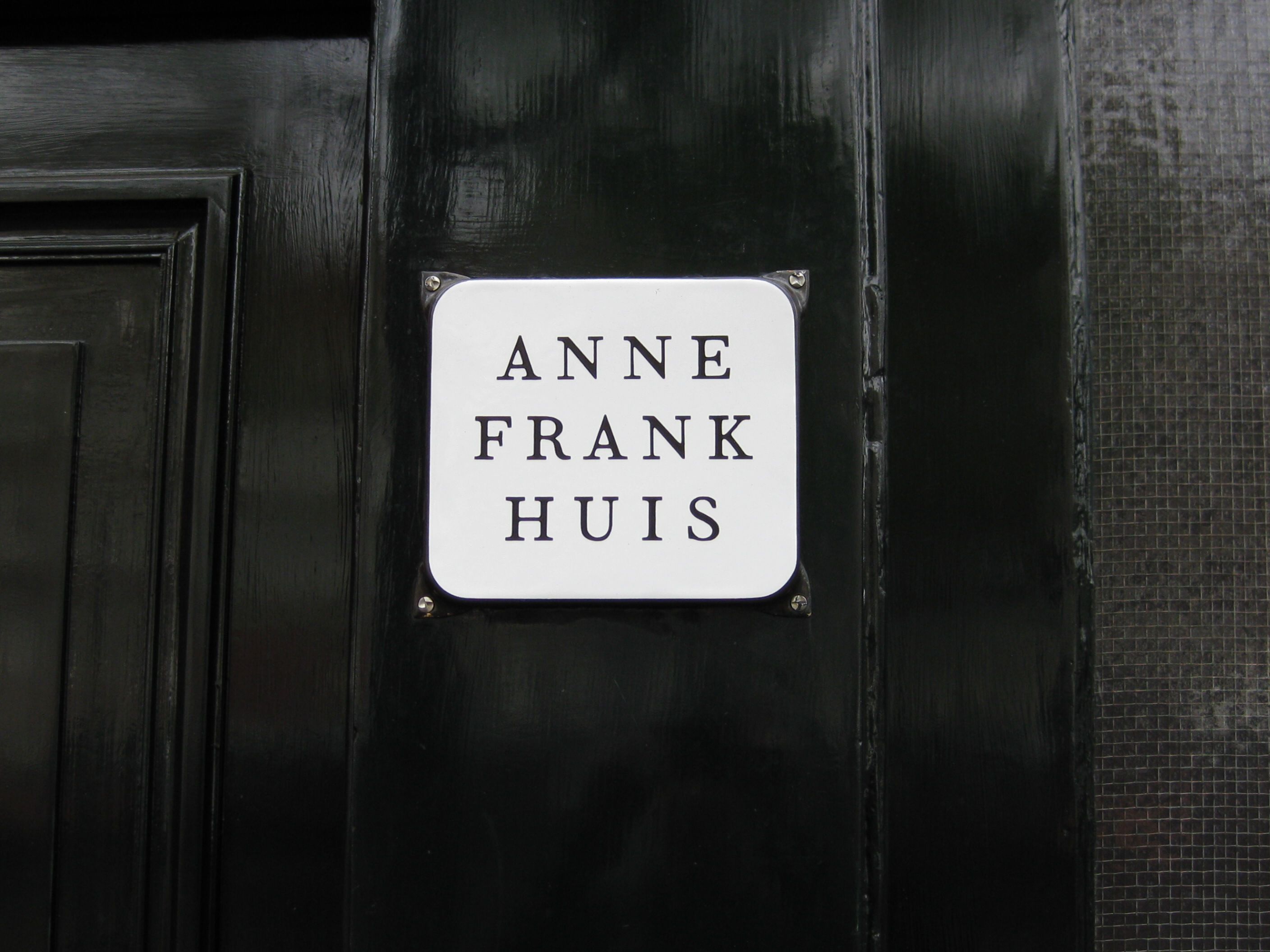 Visit The Anne Frank House But Be Sure To Dress The Part Shauns